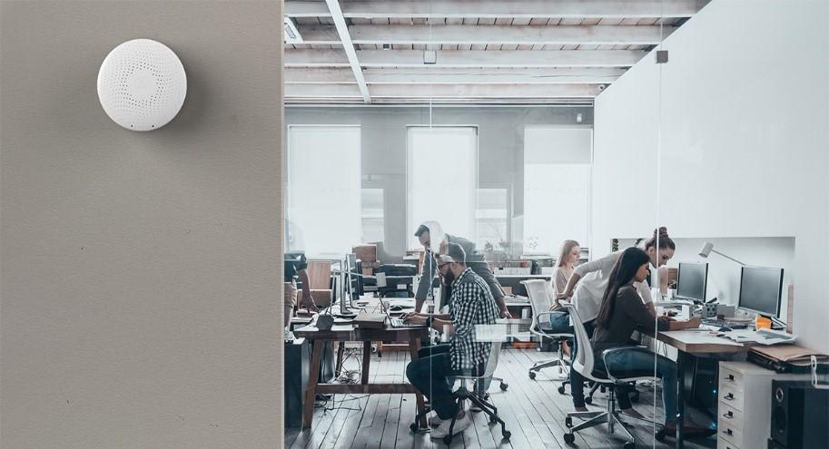 Airthings-Lösungen helfen Unternehmen, die Luftqualität in ihren Gebäuden zu verbessern. Abbildung: Airthings
