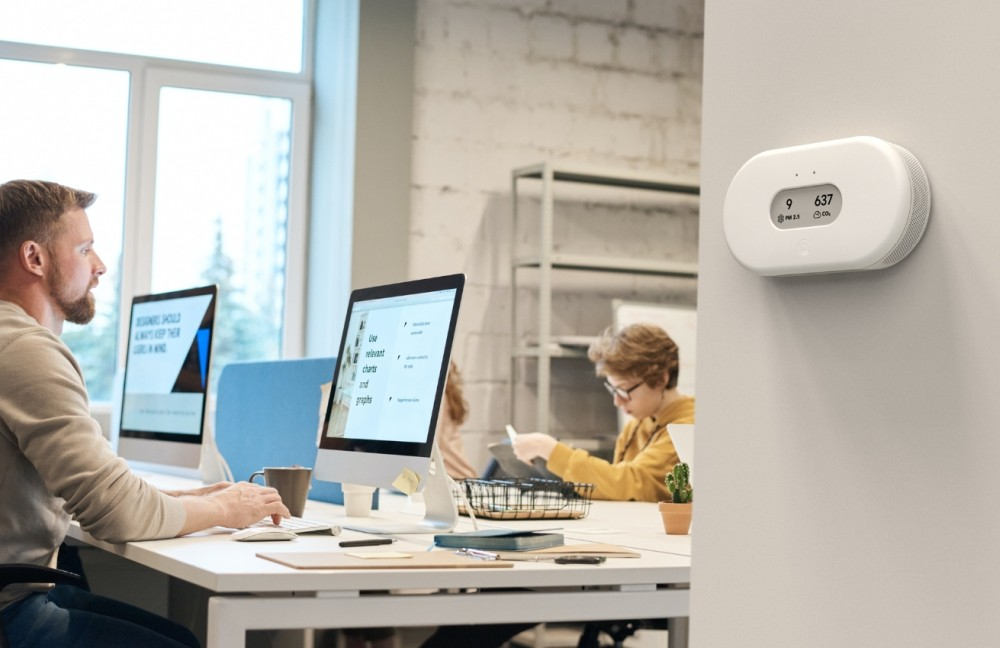 """View Plus ist ein System für das Monitoring von Luftqualität in Innenräumen und Teil der """"Airthings for Business""""-Lösung. Abbildung: Airthings"""