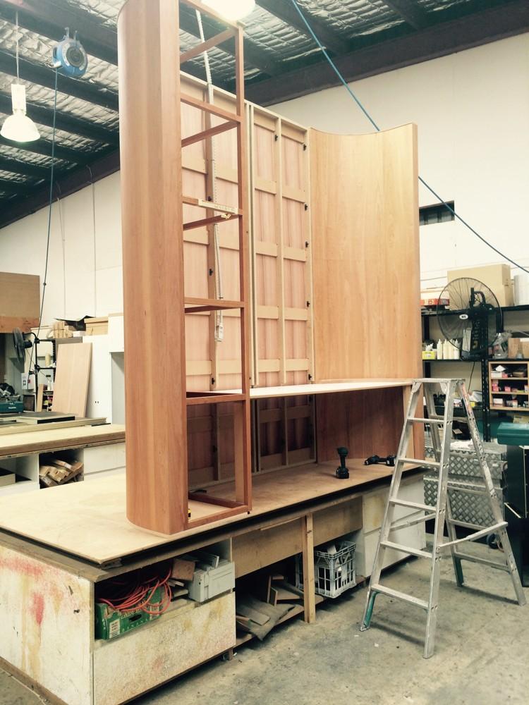 Die meisten Konstruktionen aus Holz wurden in der eigenen Werkstatt hergestellt.