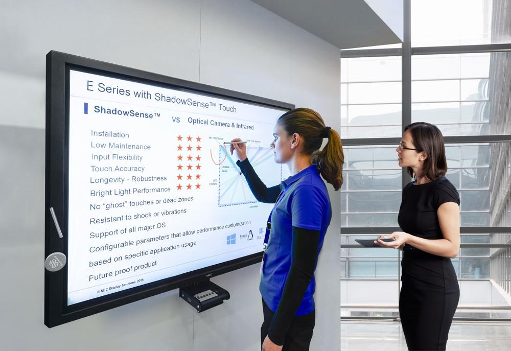 LFDs können dank Touchbedienung und der Implementierung von Apps mit einem großen Funktionsumfang aufwarten. Im Bild: ein Modell der E-Serie von NEC Display Solutions.