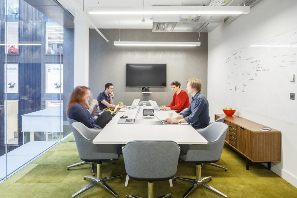 Dieser Raum dient vor allem Videokonferenzen.