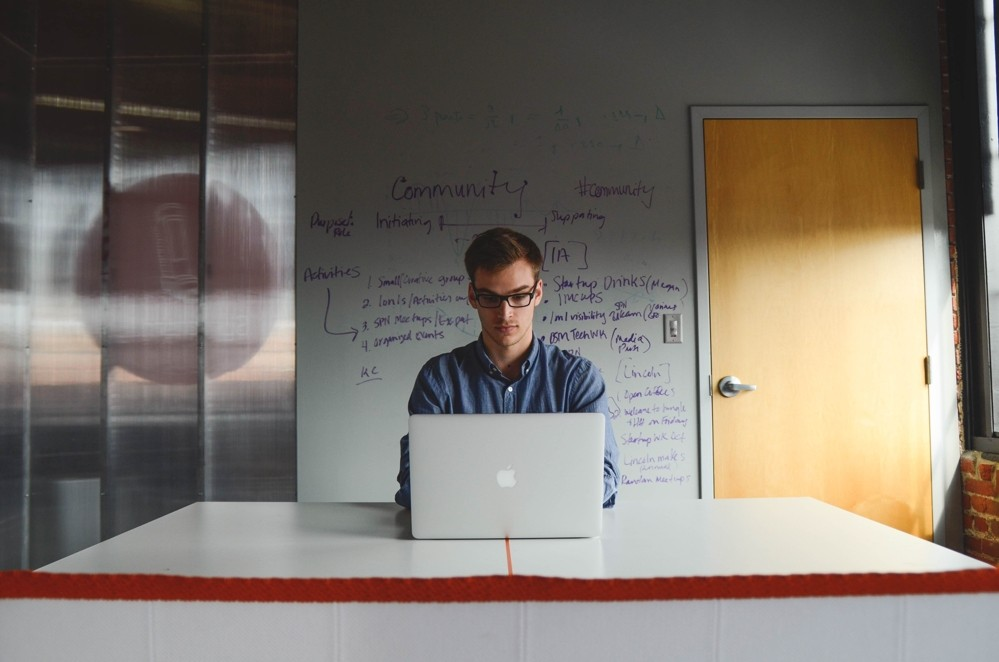 5 Tipps für Ruhe im Büroalltag