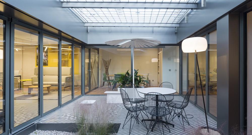 Prointel: Erweitertes Büro: der Innenhof.