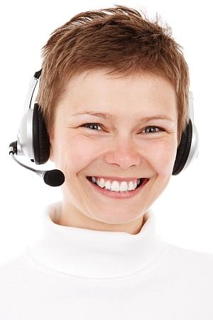 Gut verständliche und klare Kommunikation sorgt für gute Laune am Arbeitsplatz. Foto: Pixabay