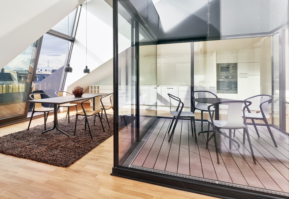 In den oberen beiden Etagen gibt es zwei anmietbare Apartments. Foto: Vitra/Eduardo Perez