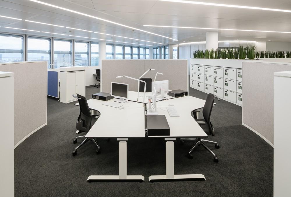 Das offene Bürokonzept erlaubt eine flexible Aufteilung der Flächen. Foto: HypoVereinsbank/HGEsch