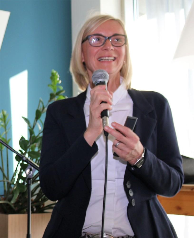 Monika Kraus-Wildegger, CEO von Goodplace.org, sprach sich für eine neue Bürokultur aus, die sich mehr um das Wohlbefinden der Mitarbeiter kümmert.