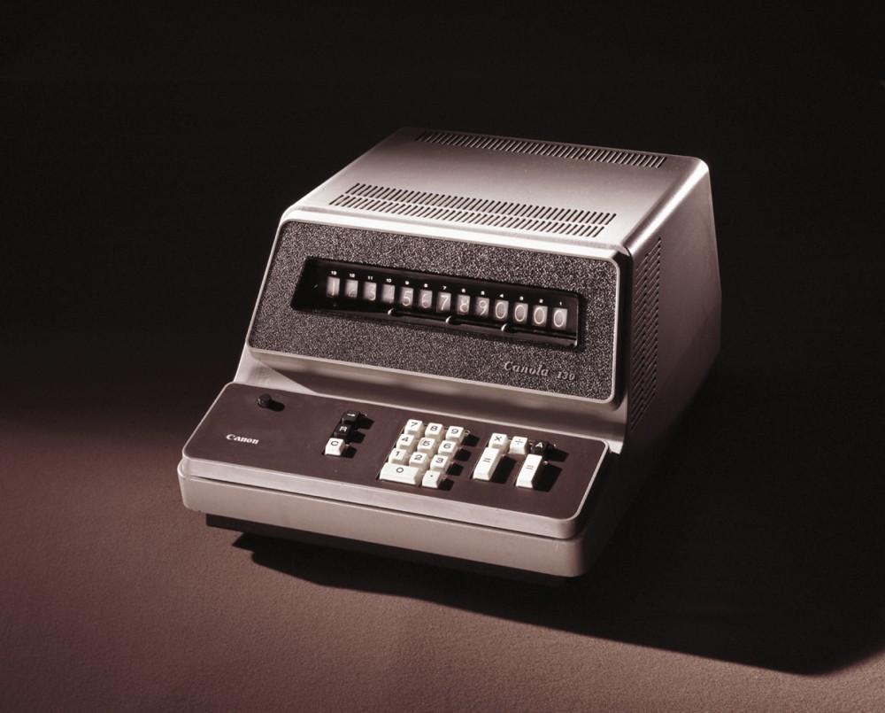 Ein elektronischer Tischrechner von Canon (Canola 130) aus dem Jahre 1964.