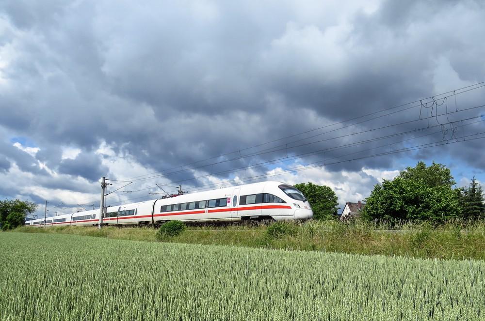 Eine grüne Alternative zum Flugzeug: Geschäftsreisen mit der Bahn.