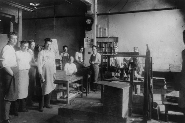 1919 gründeten Walter Nickel und Harry Fellowes die Bankers Box Company. Foto: Fellowes
