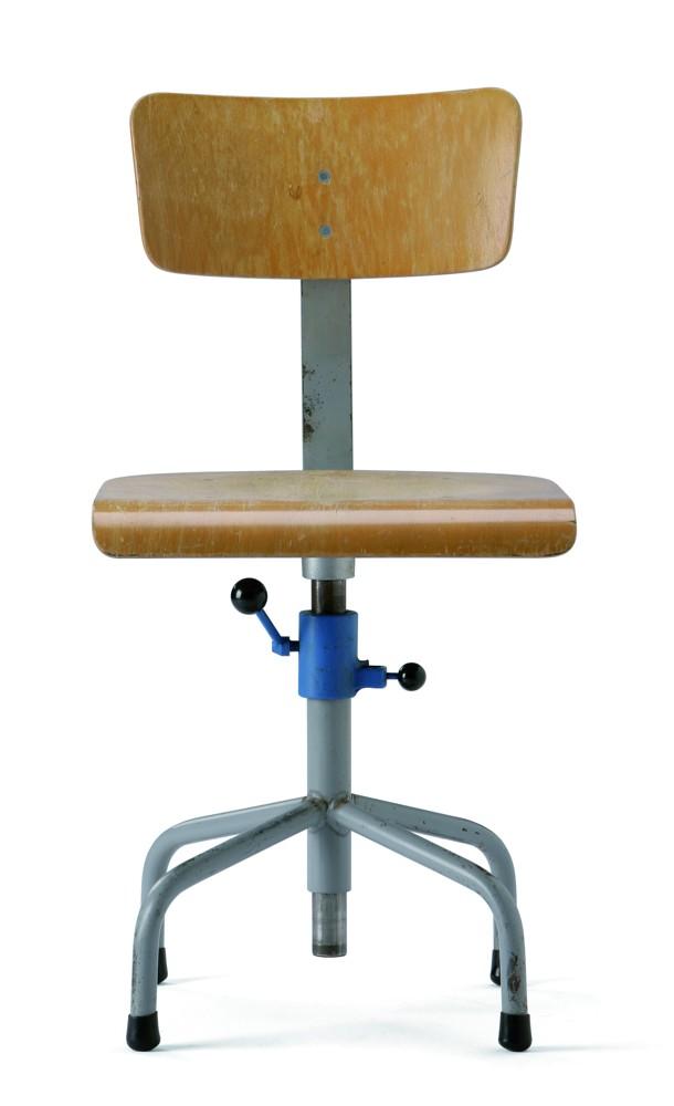 Das erste Erfolgsmodell von Interstuhl: Die Bi-Regulette (1962) erinnert noch stark an Staffel- und Reichspoststuhl. Foto: Hersteller