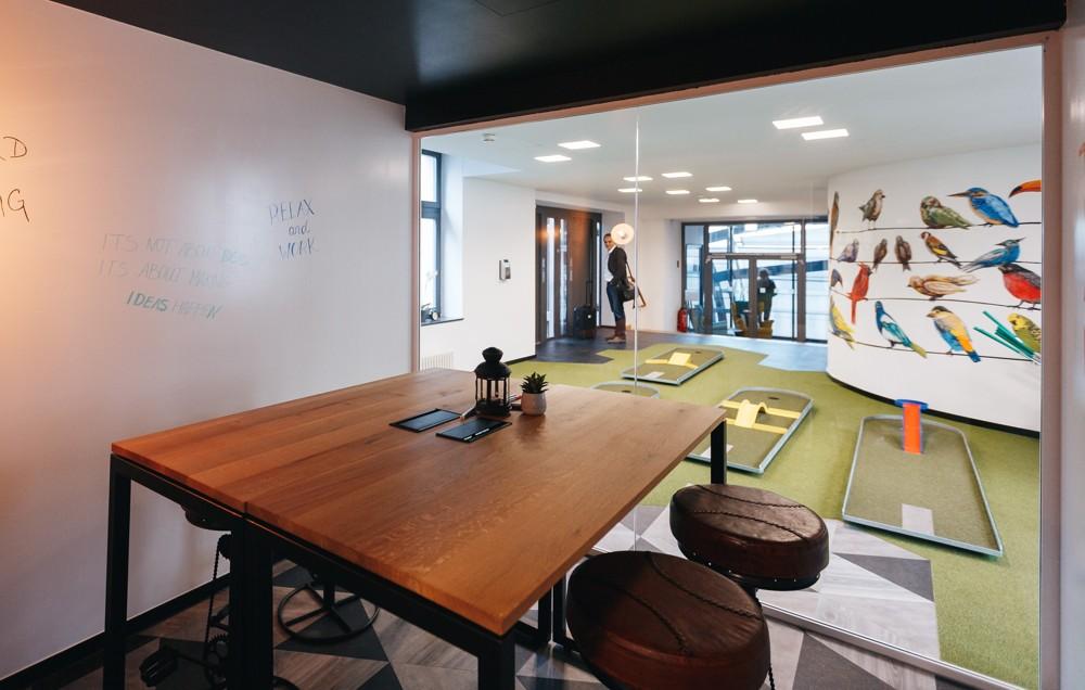 coworking neue arbeit f r alte b ros office roxx. Black Bedroom Furniture Sets. Home Design Ideas