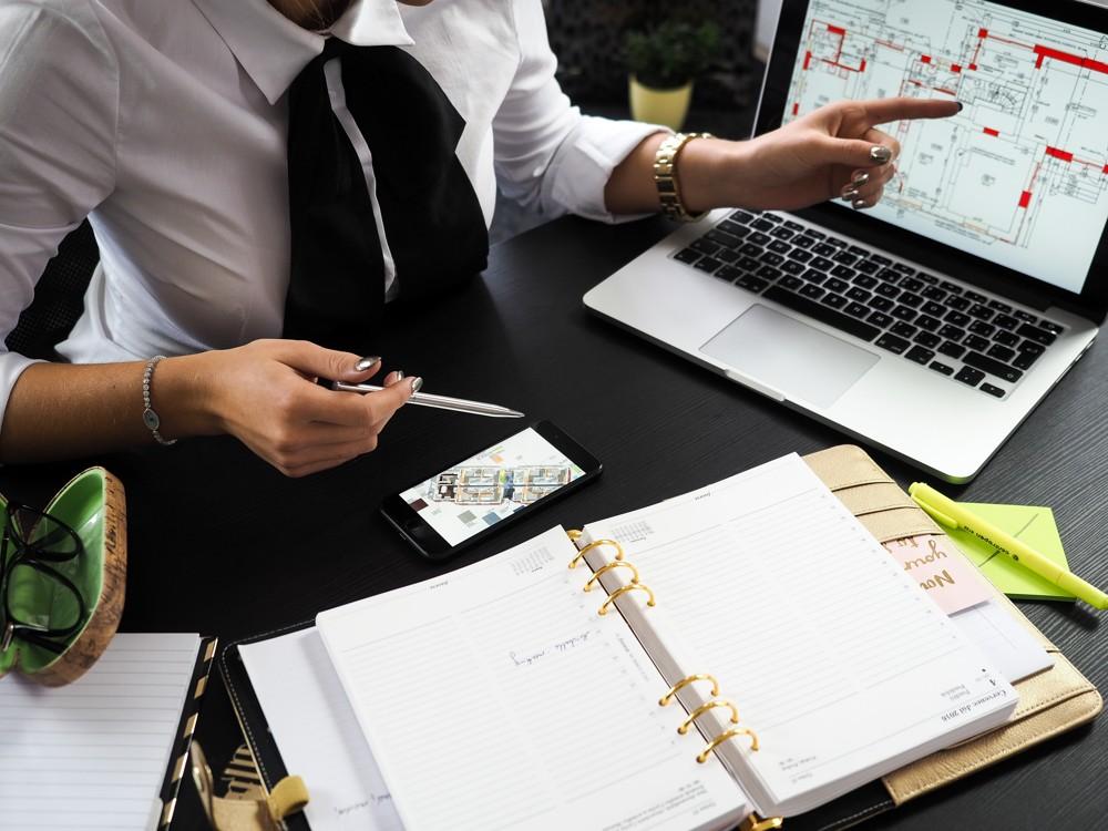 Adäquate technische Ausstattung ist eine der Bedingungen für mobile Arbeit. Foto: Pexels