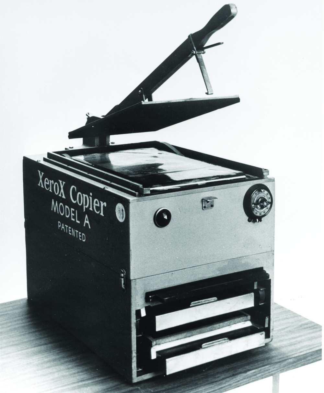 """Das """"Model A"""" im Jahr 1950: Der erste kommerzielle Xerographie-Kopierer. Abbildung: Xerox"""