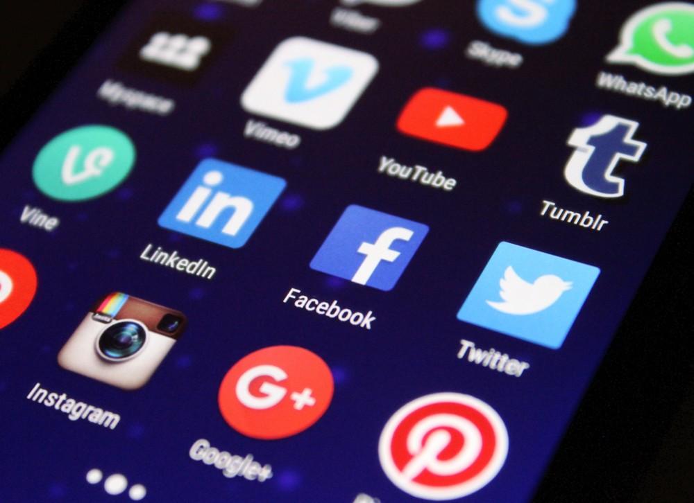 Der Knigge für die sozialen Netzwerke