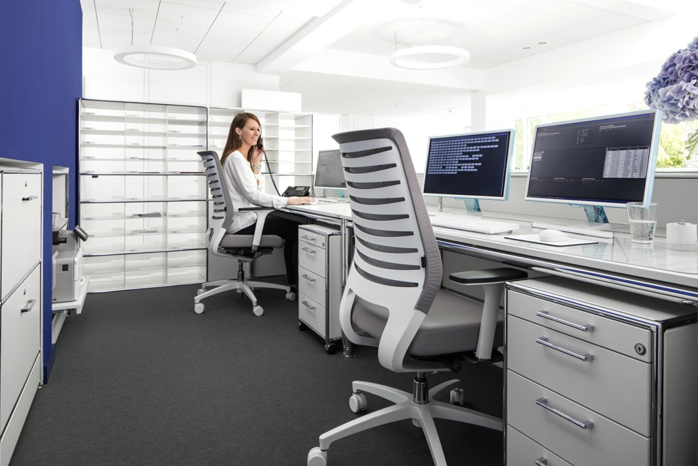 auch im b ro fit bleiben tag der r ckengesundheit office roxx. Black Bedroom Furniture Sets. Home Design Ideas