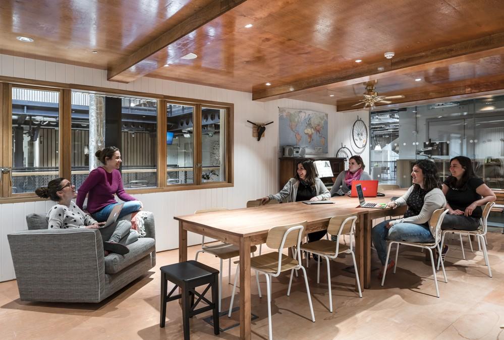 Weiteres Beispiel eines Meetingraums. Wieder war eine Airbnb-Unterkunft Vorbild. Abbildung: Donal Murphy