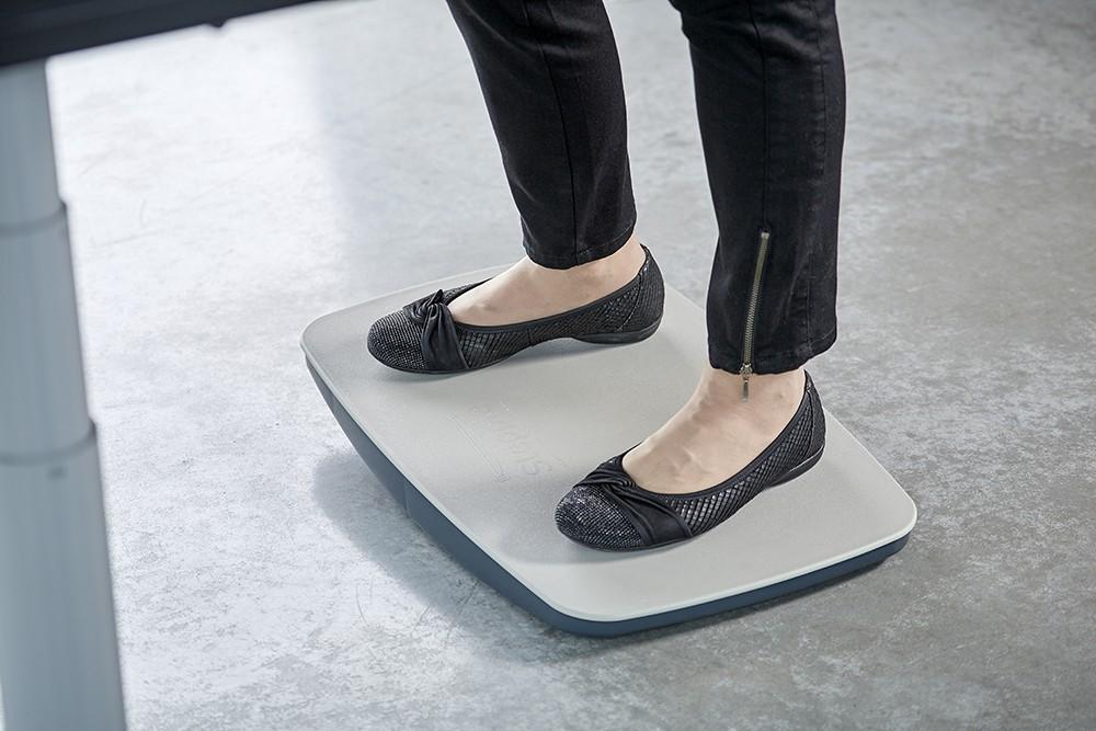 Das Balancierboard Steppie im Einsatz.
