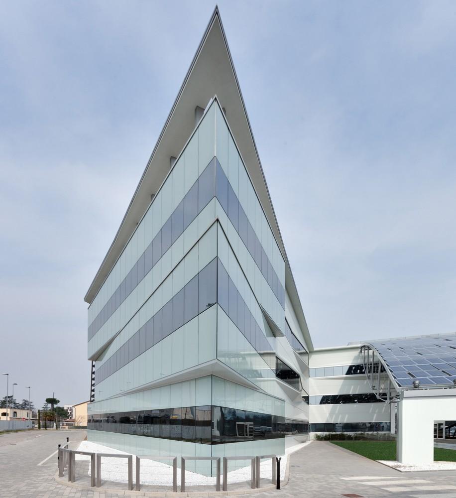 Klare Kante: Das Äußere des Gebäudes ist markant.