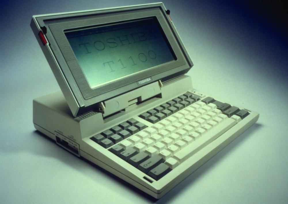 Das T1100 von Toshiba – die Mutter aller Notebooks. Abbildung: Toshiba