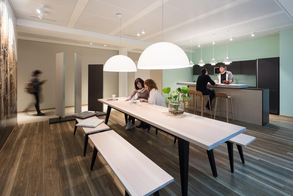 Die Teeküchen dienen als Kommunikationsbereiche. Abbildung: HRS Group/HGEsch