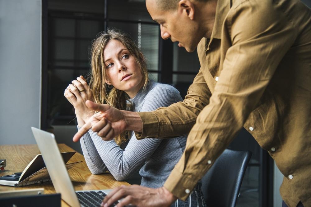 Assistenzen können in ihrem Job häufig in die Stressfalle geraten. Abbildung: Pexels