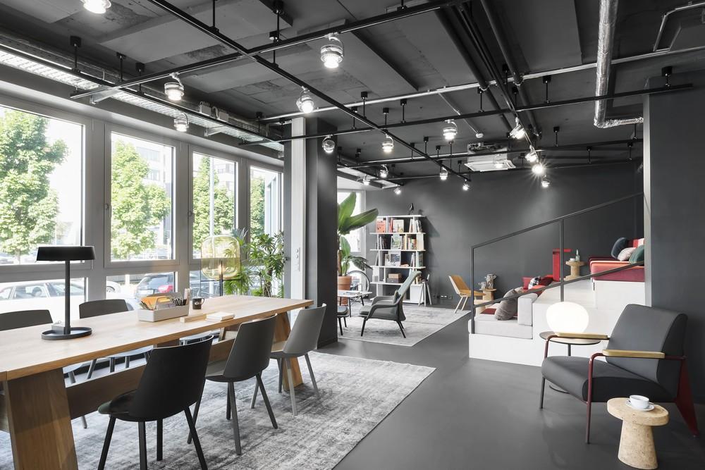 Unzählige Einrichtungsgegenstände müssen jährlich in den Design Offices inventarisiert werden. Per RFID geht das nun schneller.