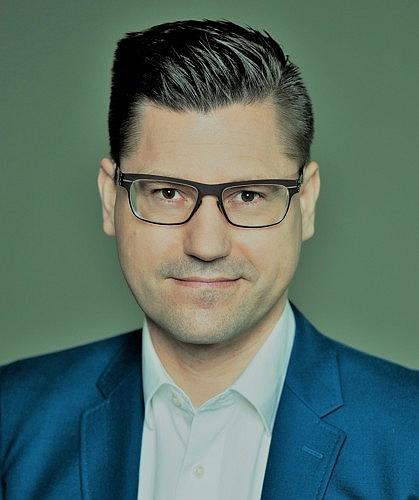 Dr. Robert Nehring, Chefredakteur von OFFICE DEALZZ. Foto: Illing & Vossbeck Fotografie