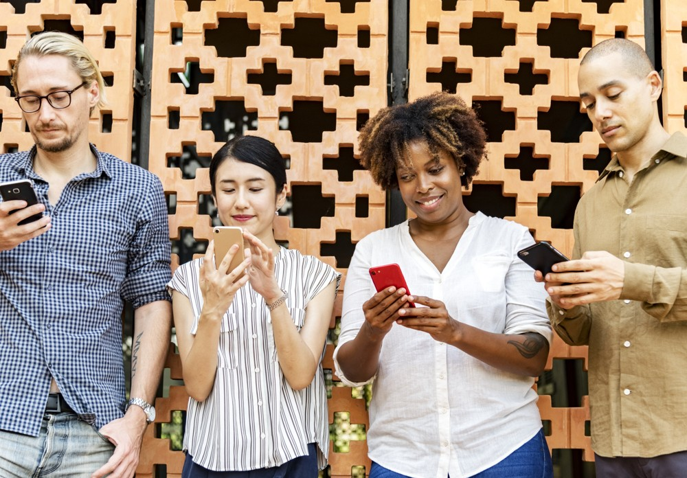 Soziale Medien im Alltag: Bitte nicht das echte Leben vergessen.  Abbildung: Pexels