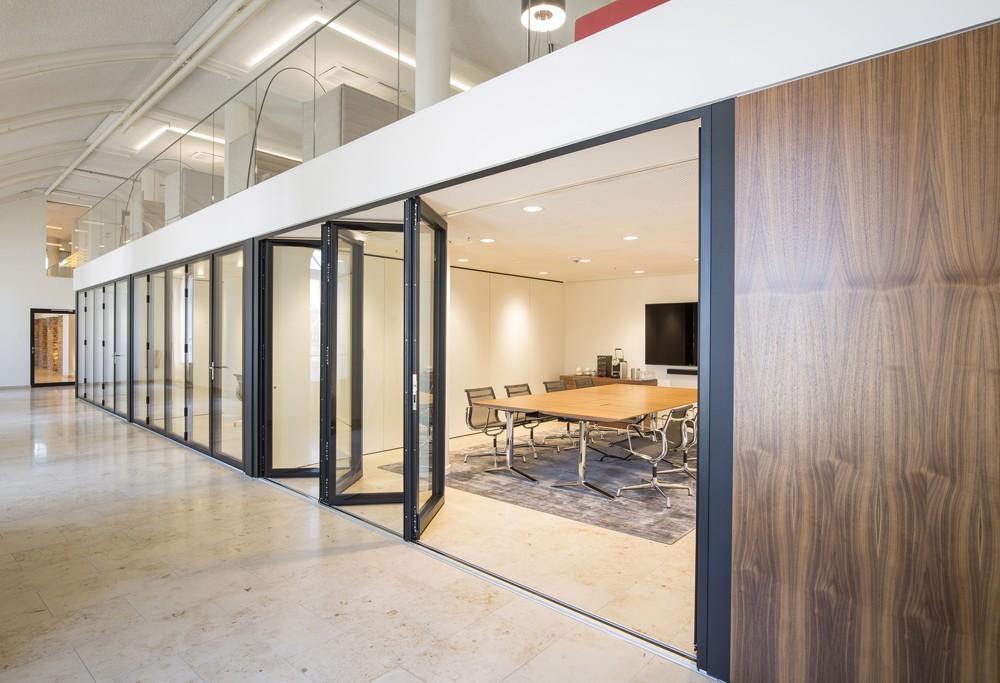 Sorgen für lange Nutzbarkeit: Räume, die unkompliziert an neue Anforderungen angepasst werden können.  Abbildung: Christian Krinninger