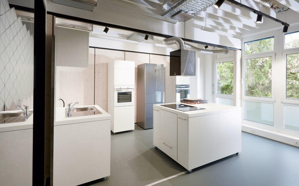 Offene Küchenflächen für informelle Kommunikation. Abbildung: BSH Hausgeräte GmbH