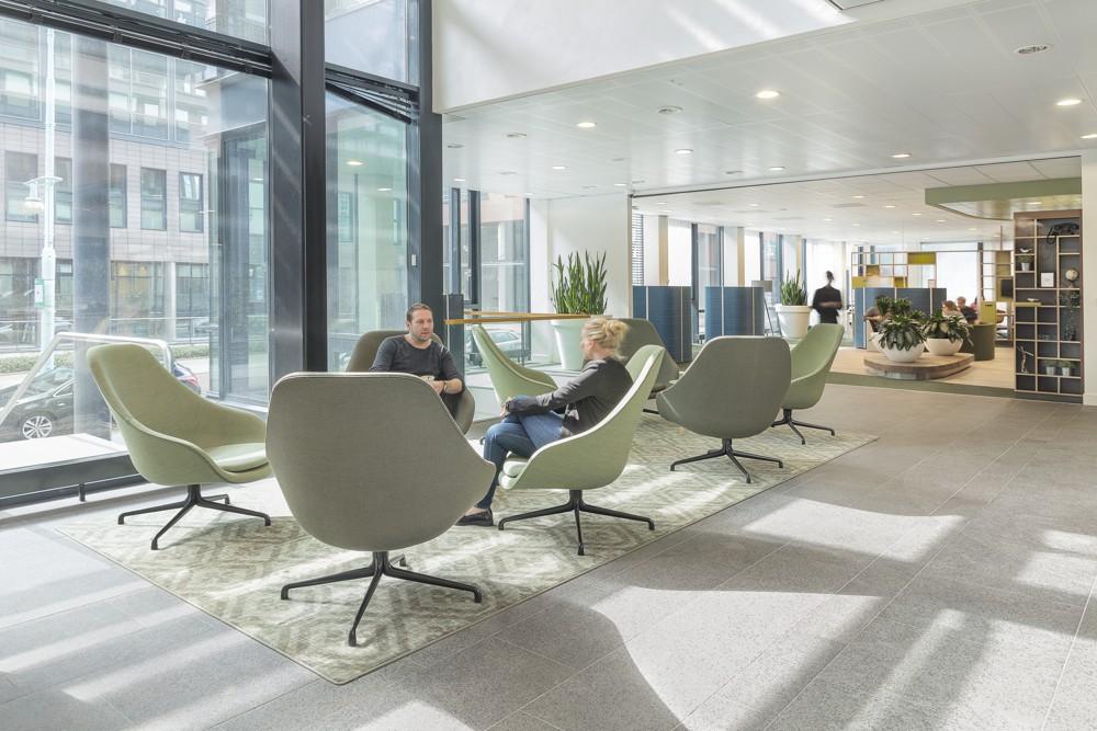 Heller und einladender Loungebereich. Abbildung: H. Lakerveld