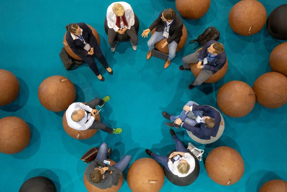Im Mittelpunkt der Corporate Health Convention steht die Frage, wie die Gesundheit von Mitarbeitern gefördert und erhalten werden kann. Abbildung: spring Messe Management
