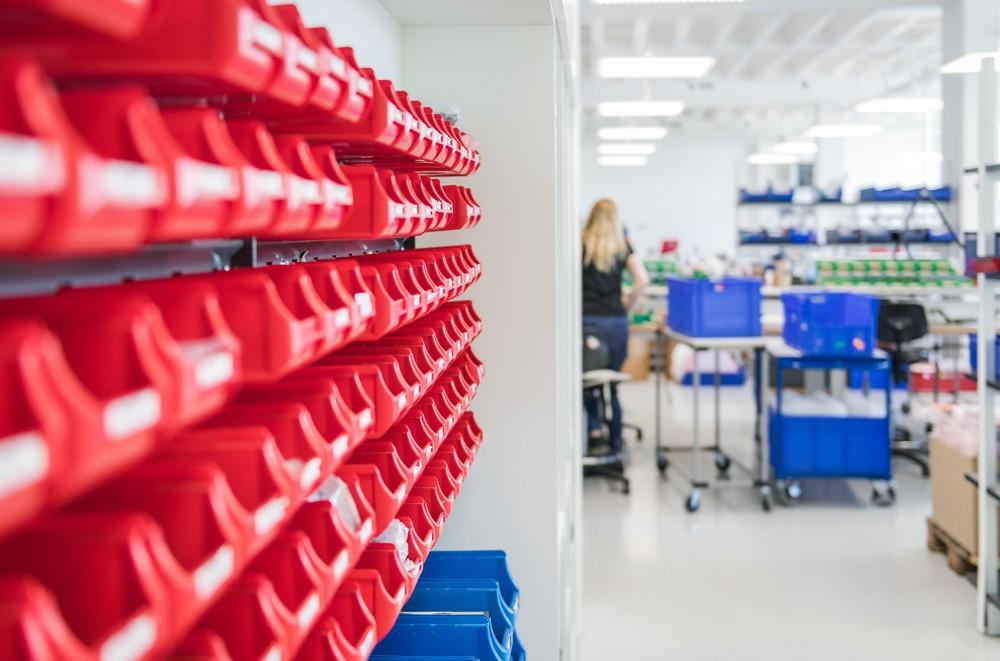 Um seinen Anspruch als Technologie- und Qualitätstreiber einzulösen, hat Nimbus viel investiert in optimierte Prozesse in der Entwicklung, der Produktion und der Logistik. Abbildung: René Müller