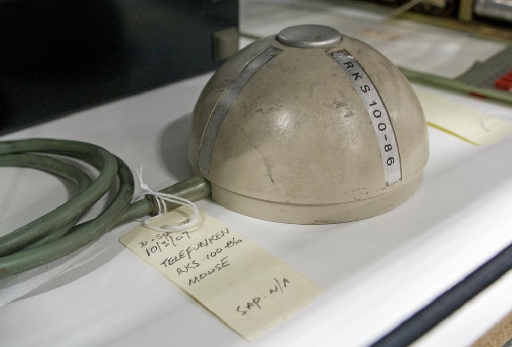 Die AEG-Telefunken-Maus aus dem Jahr 1968. Abbildung: Wikimedia Commons/Marcin Wichary-Flickr