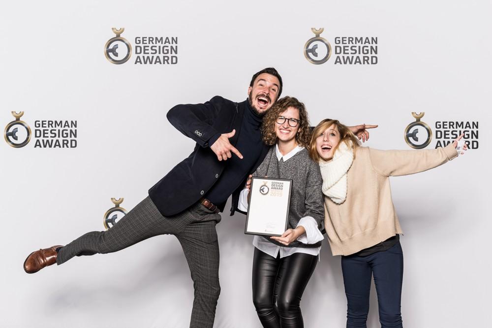 Wer einen German Design Award erhält, hat gut lachen. Meldeschluss für den German Design Award 2020 ist am 10. Juli 2019. Abbildung: Lutz Sternstein, Quelle: Rat für Formgebung.