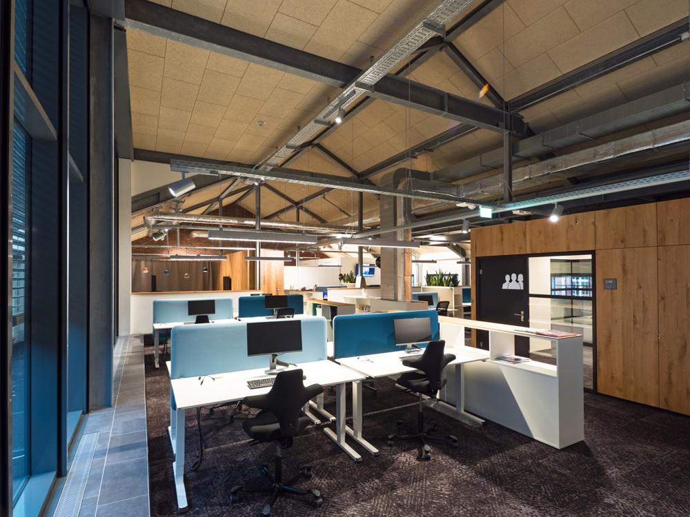 Moderne Arbeitsplätze im Open Space. Abbildung: Villeroy & Boch