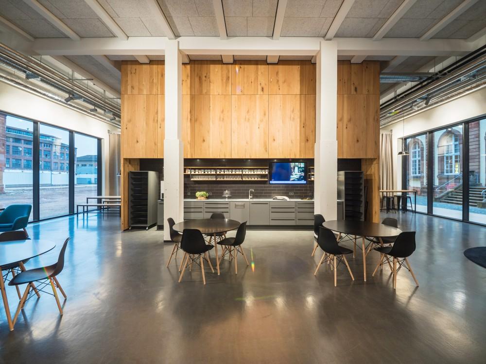 Lounge-Bereich im Erdgeschoss. Abbildung: Villeroy & Boch