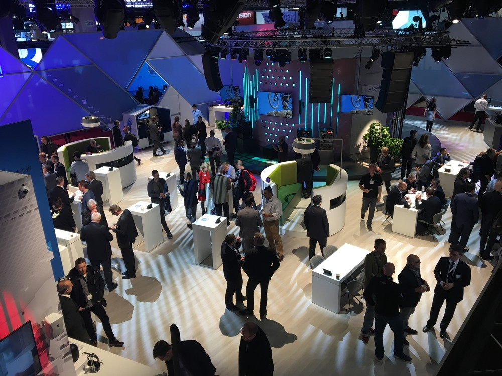 Die Leitmesse ISE in Amsterdam – internationale Leistungsschau der Präsentations- und Digitalisierungstechnologien für Workspaces. Abbildung: macom GmbH
