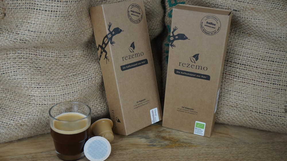 In die Kapseln kommen hochwertige Kaffees aus traditionell handwerklicher Trommelröstung. Abbildung: rezemo