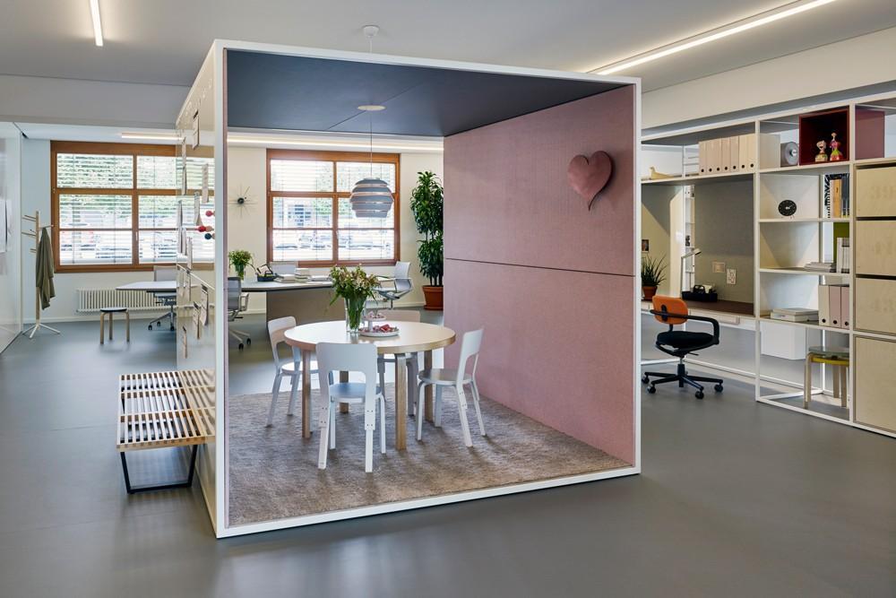 New Work – Büroräume neu gestalten: Studio Office Birsfelden, Schweiz. Abbildung: Vitra
