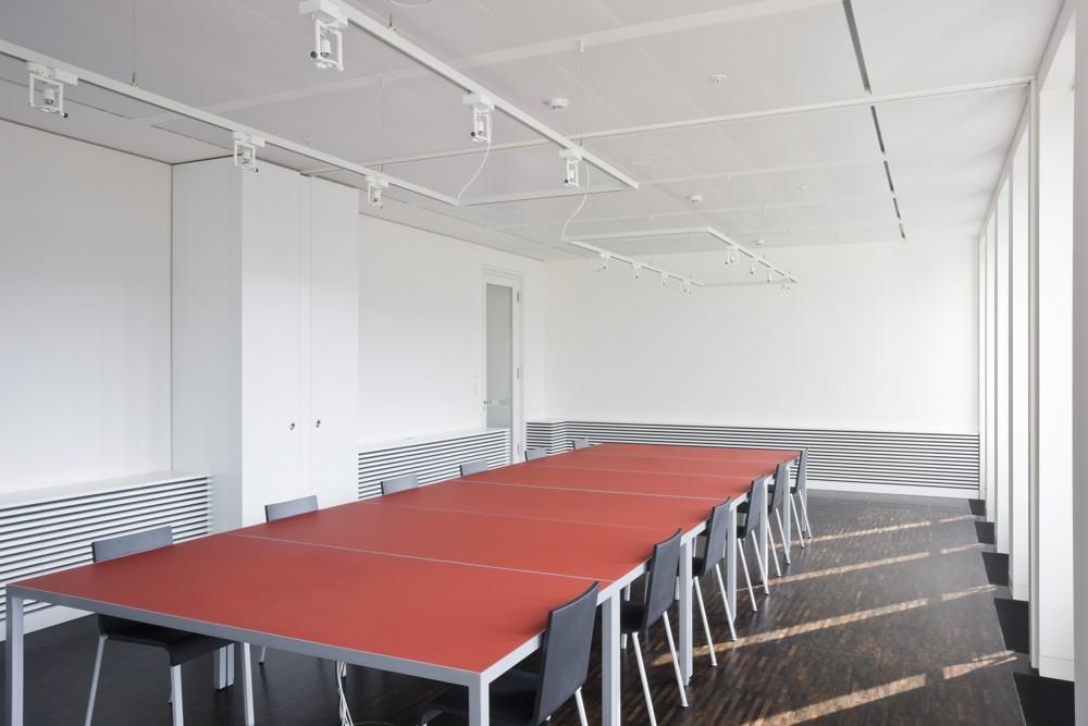 Schöner Tisch von Iondesign. Abbildung: Iondesign GmbH