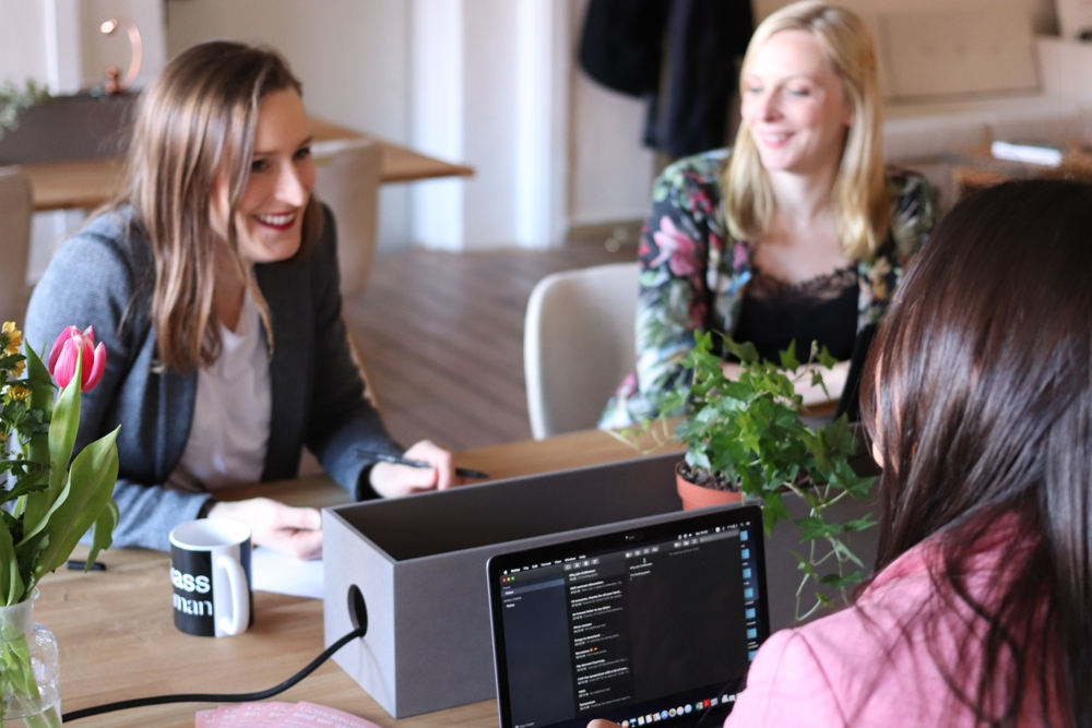 Flexibles Arbeiten in Coworking-Spaces hat viele Vorteile. Abbildung: Pexels