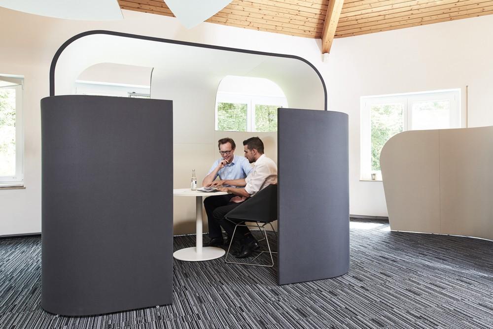 Decato Discreto bietet eine ideale Rückzugsmöglichkeit für kurze Arbeitspausen oder ein informelles Gespräch.