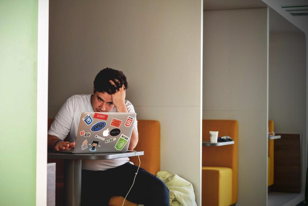 Die Psyche arbeitet immer mit. Dauerhafter Stress kann zu Erkrankungen führen. Abbildung: Pexels