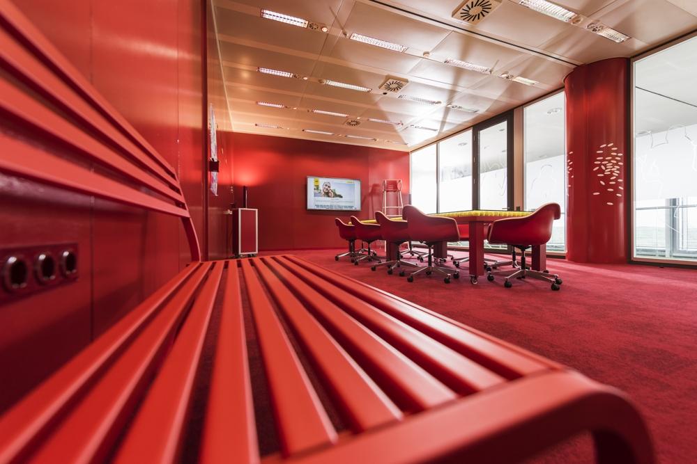 Im Meetingraum sprunghaft auf gute Ideen kommen. Abbildung: NEU – Gesellschaft für Innovation mbH