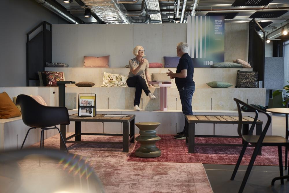 Corporate-Coworking unterstützt flexibles Arbeiten und kann des Wohlbefinden der Mitarbeiter fördern. Abbildung: Wolfgang Zlodej/Design Offices