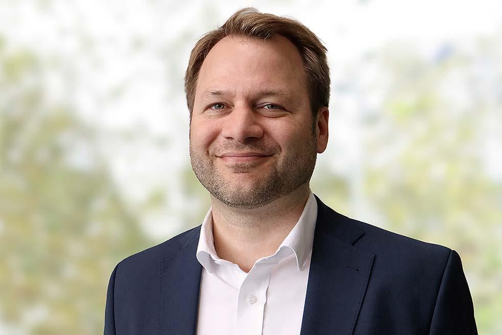 Prof. Dr. Simon A. Fischer, Rechtsexperte an der SRH Fernhochschule. Abbildung: SRH Fernhochschule