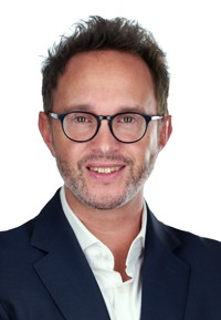 Dr. Aris Kaschefi