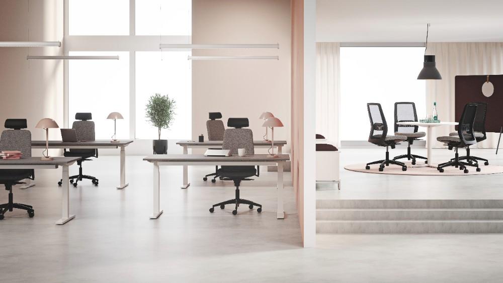 Claro ist vielseitig einsetzbar – als Bürostuhl am Arbeitsplatz oder in Meeting-Räumen. Abbildung: Kinnarps